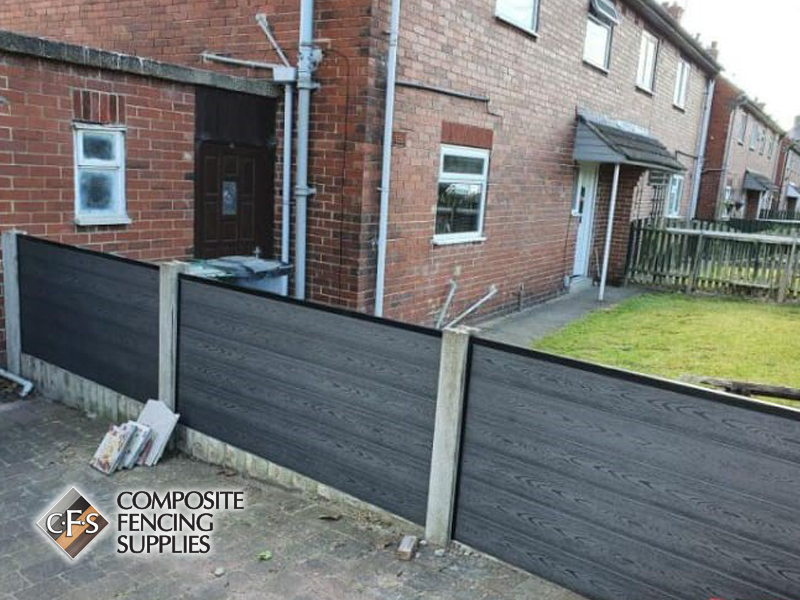 Garden fencing made from composite material